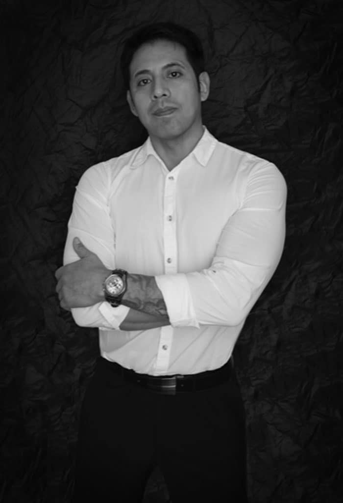 View Oscar Espadas profile