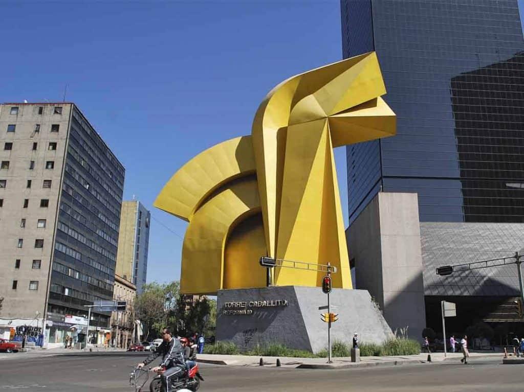 Esculturas en la CDMX Caballito Sebastían